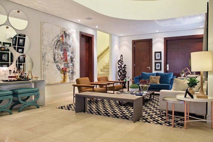 Ambientes aconchegantes e prontos para receber permeiam este projeto de interiores - Revista InterArq | Arquitetura, decoração, design, interiores, paisagismo, lifestyle e festas