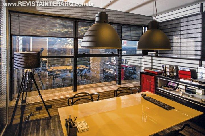 Neste escritório, o design de interiores repleto de estilo virou fonte de inspiração para a equipe - Revista InterArq | Arquitetura, decoração, design, interiores, paisagismo, lifestyle e festas
