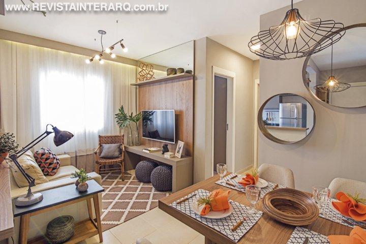 Neste apartamento modelo de apenas 50 m², a proposta foi otimizar ao máximo os espaços. Para isso, a profissional apostou em um minucioso projeto de marcenaria - Revista InterArq   Arquitetura, decoração, design, interiores, paisagismo, lifestyle e festas