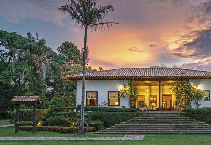 Com 250 anos de história, o Hotel Fazenda Capoava é um ambiente para quem deseja relaxar e ampliar o seu contato com a natureza - Revista InterArq | Arquitetura, decoração, design, interiores, paisagismo, lifestyle e festas