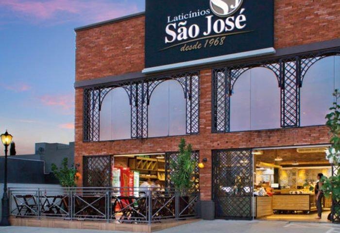 Com duas lojas na cidade, o Laticínios São José celebra seus 50 anos com várias ações e novidades - Revista InterArq | Arquitetura, decoração, design, interiores, paisagismo, lifestyle e festas