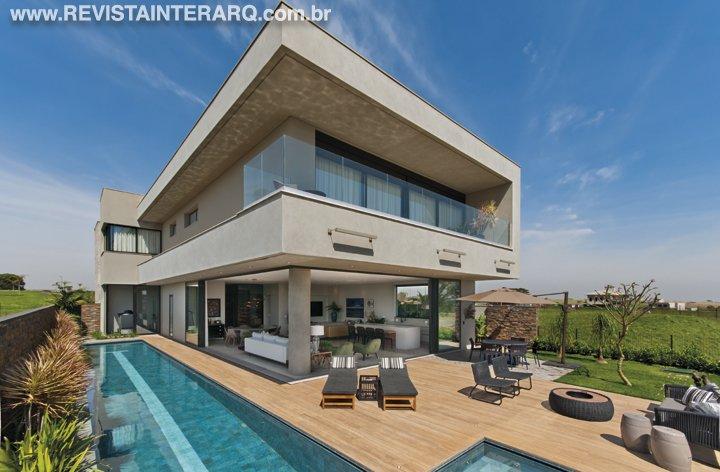 A arquiteta integrou os ambientes modernos com a vista espetacular - Revista InterArq | Arquitetura, decoração, design, interiores, paisagismo, lifestyle e festas
