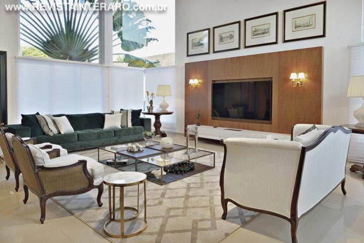 Esta casa revela pequenos luxos entremeando o décor leve e elegante - Revista InterArq | Arquitetura, decoração, design, interiores, paisagismo, lifestyle e festas
