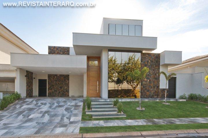 Inspire-se com os projetos de fachadas do escritório dos arquitetos Germana Zanetti e Leandro Madi - Revista InterArq | Arquitetura, decoração, design, interiores, paisagismo, lifestyle e festas