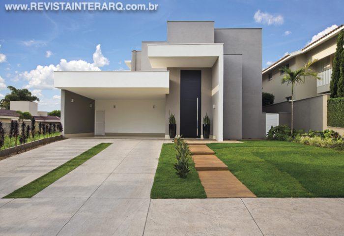 Residência com ampla área de lazer para uma família - Revista InterArq | Arquitetura, decoração, design, interiores, paisagismo, lifestyle e festas