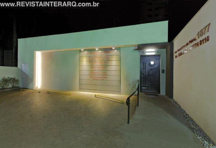 A reforma renovou o layout desta clínica médica - Revista InterArq | Arquitetura, decoração, design, interiores, paisagismo, lifestyle e festas