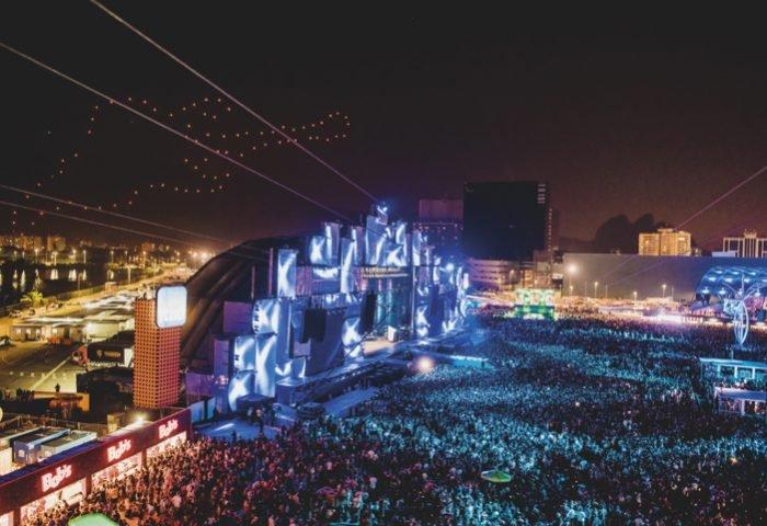 Durante os 7 dias de festival Rock in Rio, os visitantes poderão curtir shows de cantores e bandas consagradas - Revista InterArq | Arquitetura, decoração, design, interiores, paisagismo, lifestyle e festas