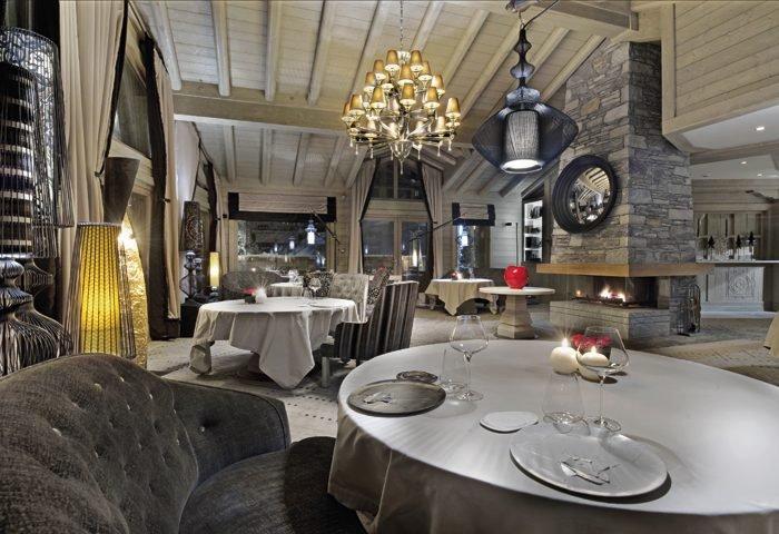 Somente em Courchevel existem 10 restaurantes com estrelas guia Michelin.  Este é o estrelado Kintessence, no K2 Palace. foto_Marc Berenguer