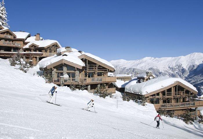 """Entre os Alpes Franceses, Courchevel é umas das estações de esqui """"in/out"""" mais luxuosas do mundo - Revista InterArq   Arquitetura, decoração, design, interiores, paisagismo, lifestyle e festas"""