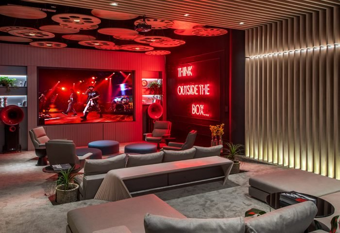Cine Lounge por Emerson Araújo, Lenora Lohrisch e Ana Cano