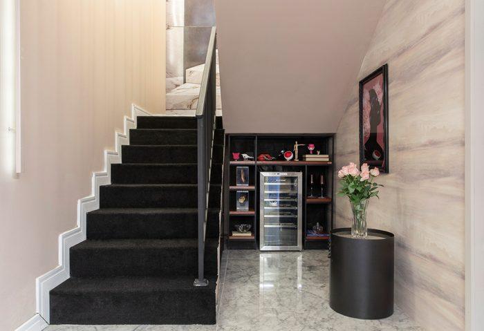 Hall & escada infinito por Rosana Ferreira e Aldo Jordão
