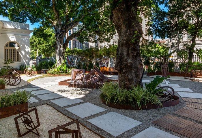 Jardim das Esculturas por Maritza de Orleans e Bragança